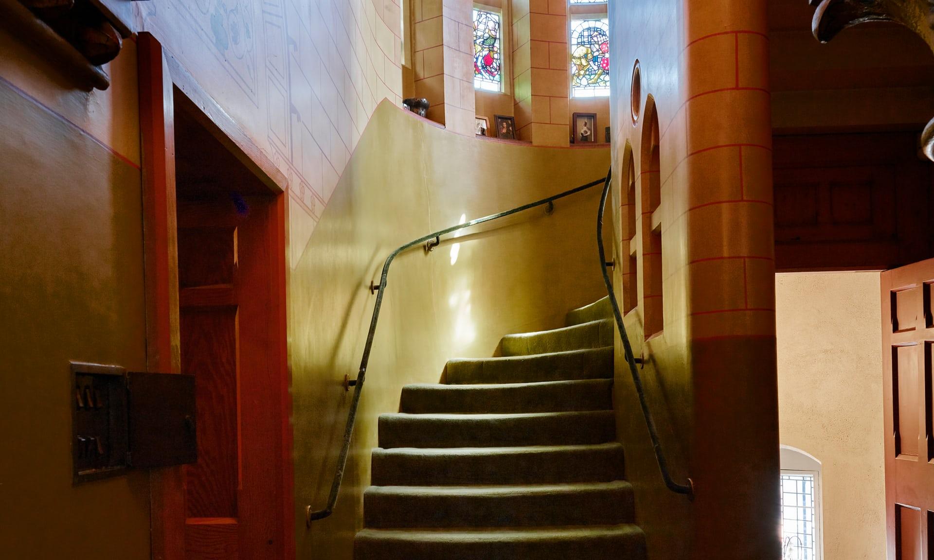 Лестница в башне Тауэр Хауса